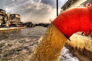 La Comisión avisa de que las aguas residuales no depuradas pueden estar contaminadas con virus y bacterias dañinas y por ello representan un riesgo para la salud publica.