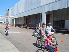 recorrido en bicicleta por la planta viguesa en el que han participado más de 1.500 personas para celebrar esta jornada