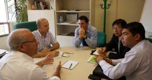 Reunion de los representantes de 'Korea Automation Co. LTD' con el concejal de Agricultura, Ganaderia y Medio Ambiente. :: IDEAL