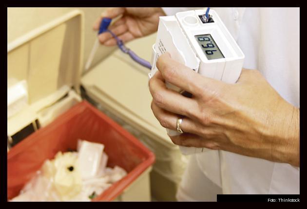 Una vez son utilizadas, las canecas deben lavarse y desinfectarse con hipoclorito de sodio