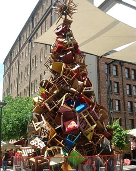 arbol navidad de sillas